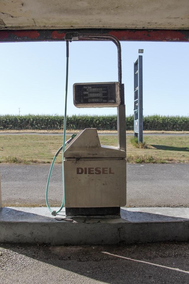 Diwali gift: diesel rates drop