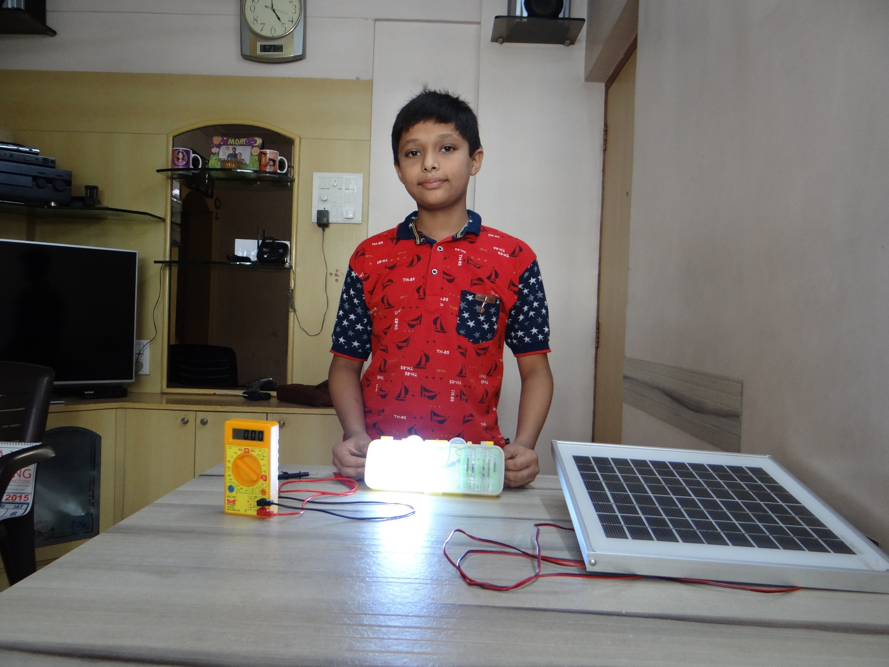 11-year old created solar light from laptop battery