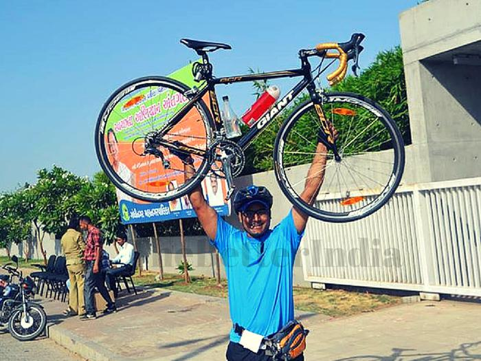 Abhishek inspires with cycling across India