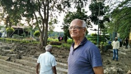 Retired engineer spreading awareness about environment