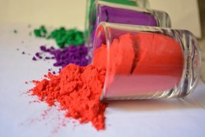 Play with lucky colours on this Holi