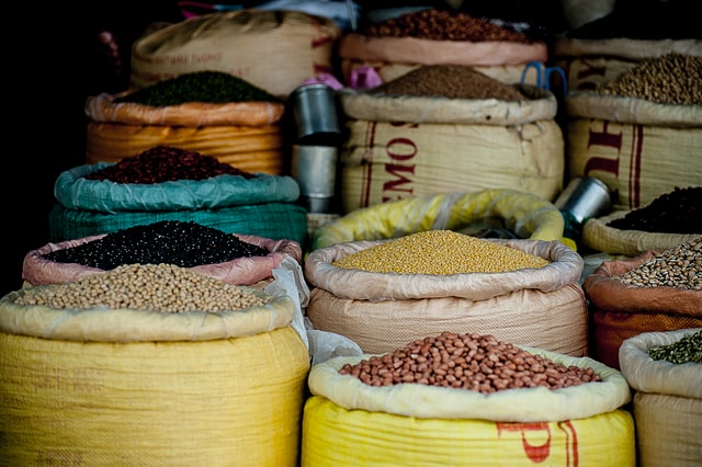 Govt to import 6.5 lakh tons of pulses