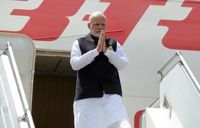 Narendra Modi arrives in Laos for ASEAN, East Asia Summits