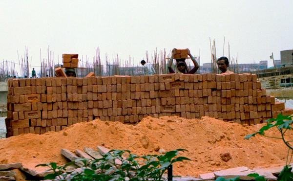 Construction waste turned to products