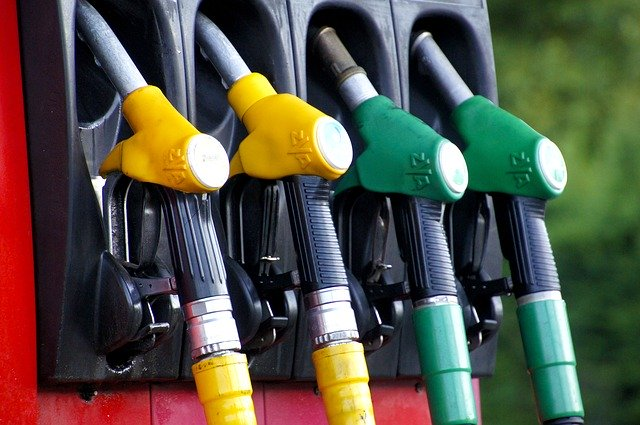 Petrol pumps likely to observe weekly off on Sundays soon