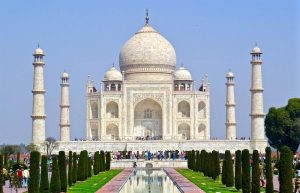 How pollution destroyed Taj Mahal