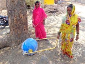 Amazing water wheel helping women
