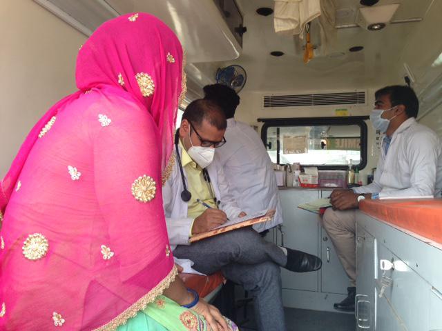 Smile on Wheels: Healthcare on wheels