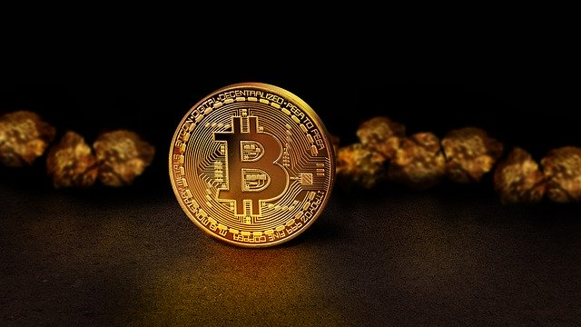 Gold vs Bitcoin: which to invest