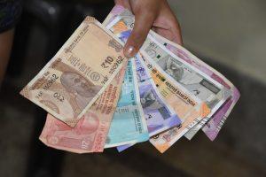 Govt: Dont panic about the cash problem