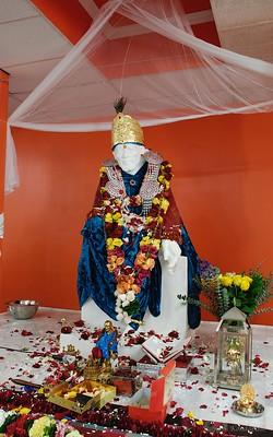 Shirdi Sai Baba, a Hindu or Muslim