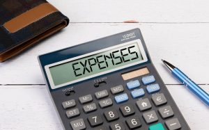 How to control your monthly expenses