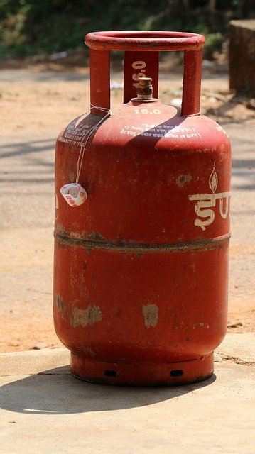 Government hikes LPG dealers commission