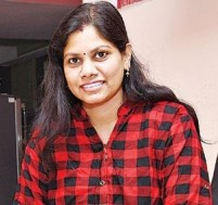 Woman earns lakhs with an investment of ₹200