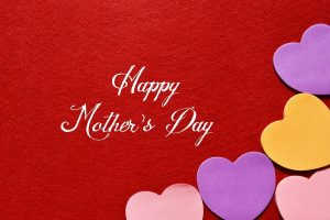 Best financial gifts to mom on Mother's Day