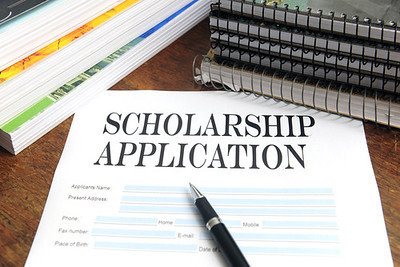 Centre announces scholarships to minorities