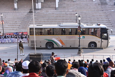 India suspends Delhi-Lahore Bus Service