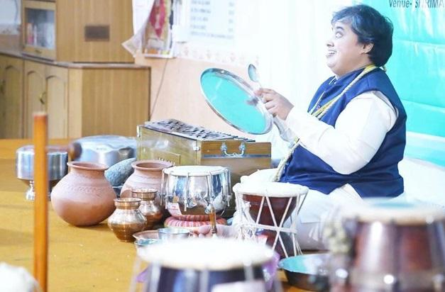 Visually impaired music teacher enters Limca Book of Records