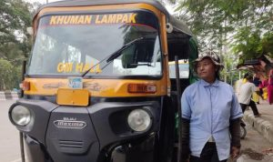 Manipur's first woman auto driver