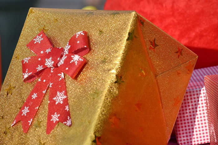 Government relaxes gift policy for employees