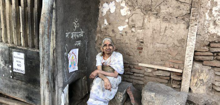 Woman lives without electricity in Pune