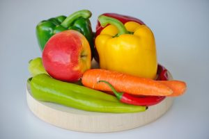 Clean vegetables and fruits naturally