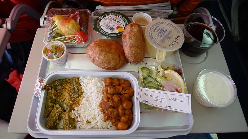 Government allows airlines to serve meals on flights