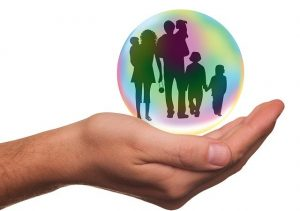 5 Things to keep in mind while choosing the best health insurance for your family