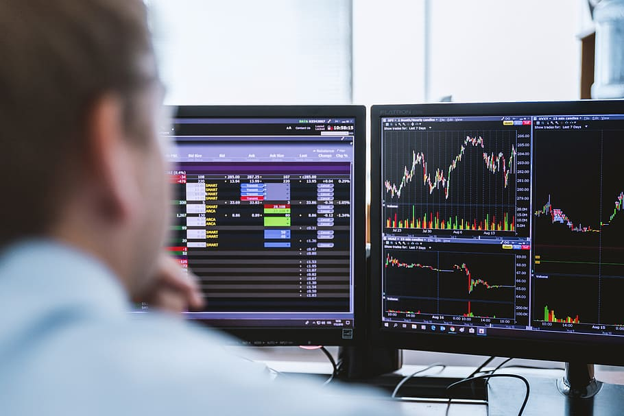 How to Create an Incredible 6+ Monitor Trading Setup