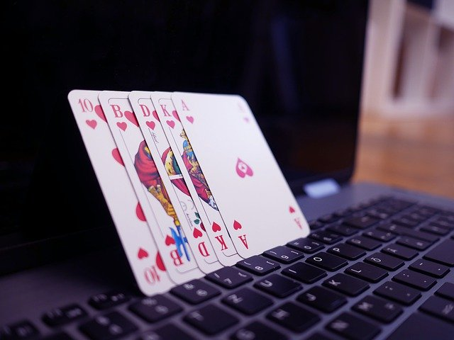 Online Casinos And Some Ridiculous Myths Around It