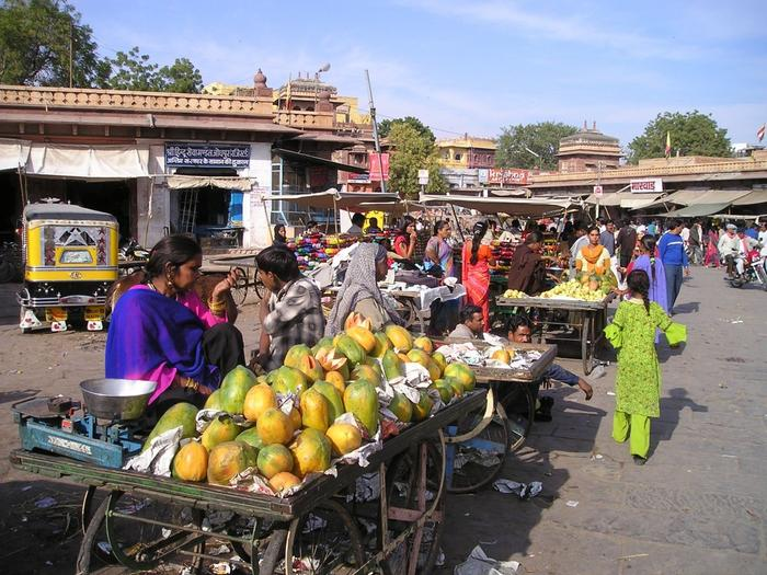 Maha authorities impose ticket system for markets