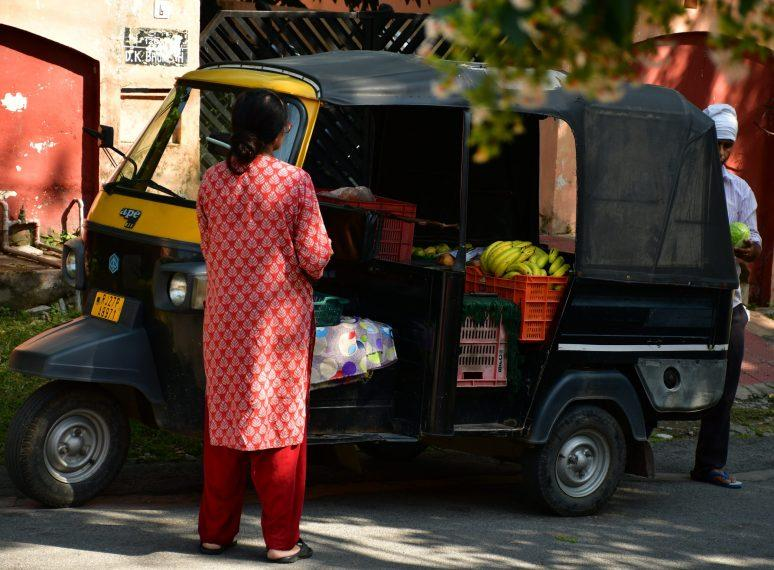 Woman e-rickshaw driver ferries COVID-19 patients