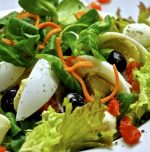 Woman earns lakhs by selling salads