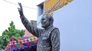 AP father and son build the statue of PM using iron scrap